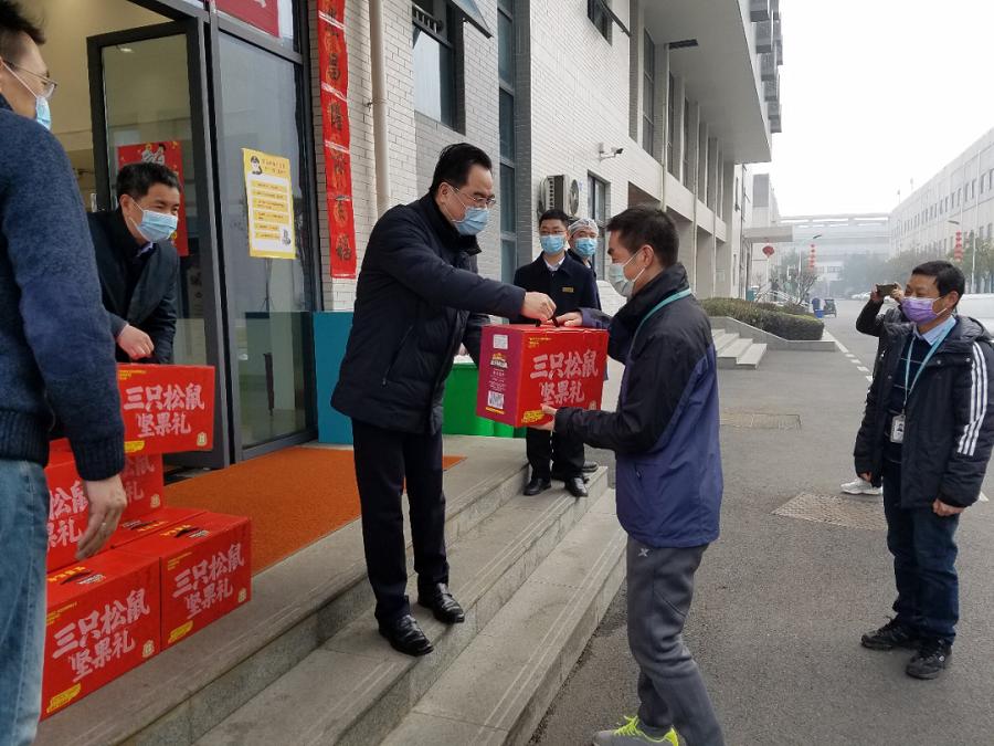 信科集团总经理鲁国庆开展春节慰问