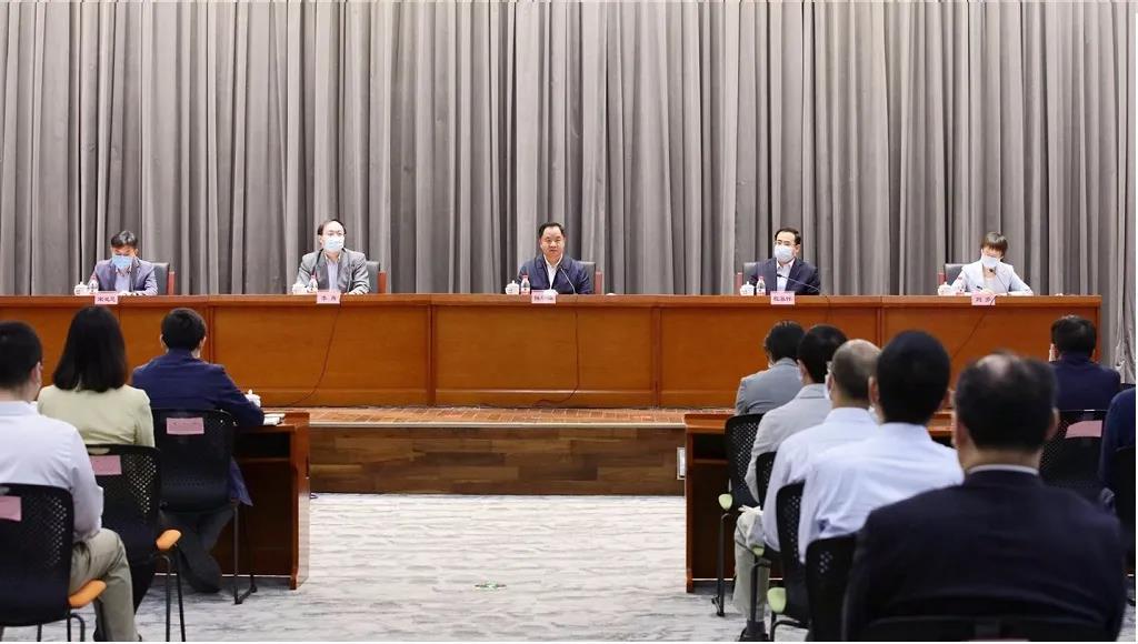 宋灵恩任中国信息通信研究院党委书记、副院长