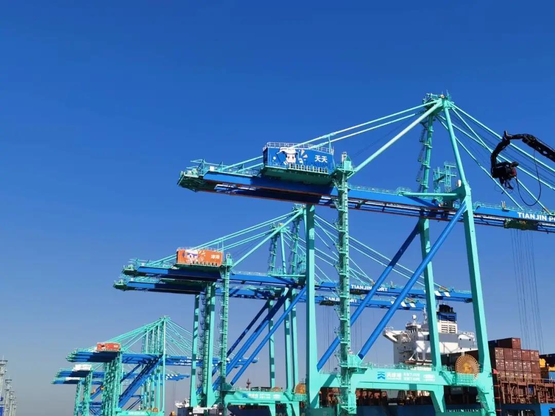 """项目动态I天津港全球首个""""智慧零碳""""码头投产运营引领智慧码头新变革"""