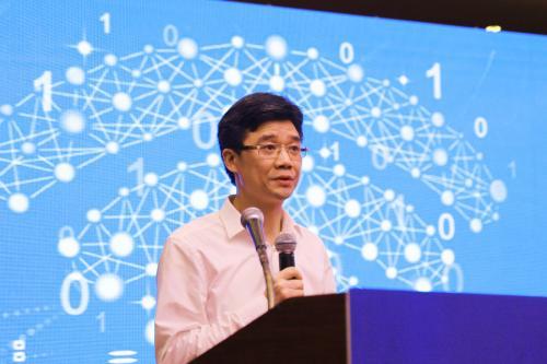 何飚升任中国联通副总经理