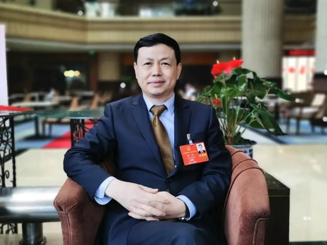 两会专访丨全国人大代表、中国移动董事长杨杰:建立健全数据要素市场体系 助力数字经济发展